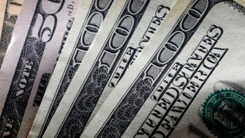 El dólar volvió a aumentar pese a nueva suba de la tasa que ya superó el 62%