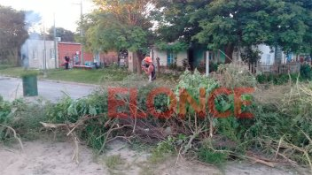 Vecinos de Diamante encararon arreglo de calle: