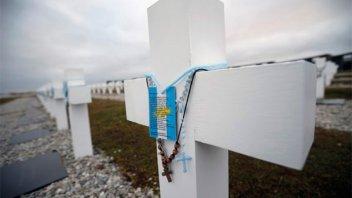 Las identificaciones de dos héroes que llegaron horas antes de viajar a Malvinas