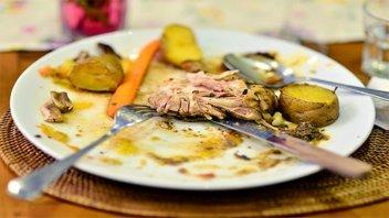 Buscan prevenir y reducir el desperdicio de comida en bares y pubs