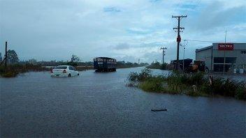 La lluvia causó inconvenientes en Villa Elisa: Cayeron más de 240 milímetros