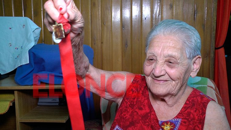 Doña Paula, tras curar a Patronato: