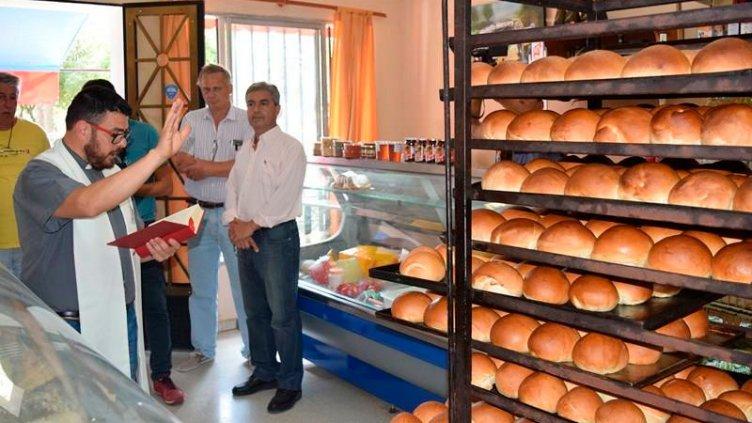 Panadería regaló panes bendecidos tras una promesa de vida de hace 85 años atrás