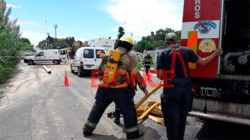 Sin agua: La rotura de un caño de gas demora la reparación del acueducto dañado