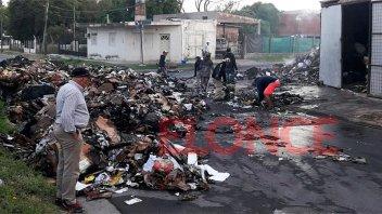 Se incendiaron 25.000 kilos de cartón: estiman que fue intencional
