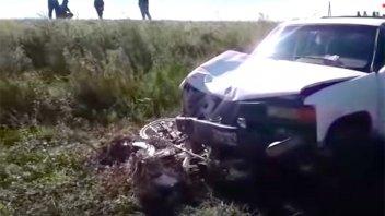 Motociclista perdió la vida al ser embestido por una camioneta en la Ruta 22