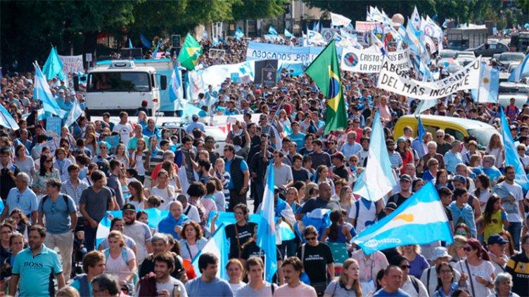 Marcharon contra del aborto en varias ciudades del país