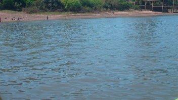 Un hombre habría sido degollado y arrojado al río