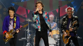 Mick Jagger será operado del corazón y posponen su gira