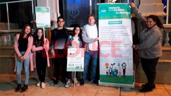 Concientizaron sobre el cambio climático en la peatonal San Martín