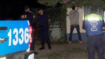 Asaltaron a un peatón que forcejeó con los ladrones y hubo dos detenidos