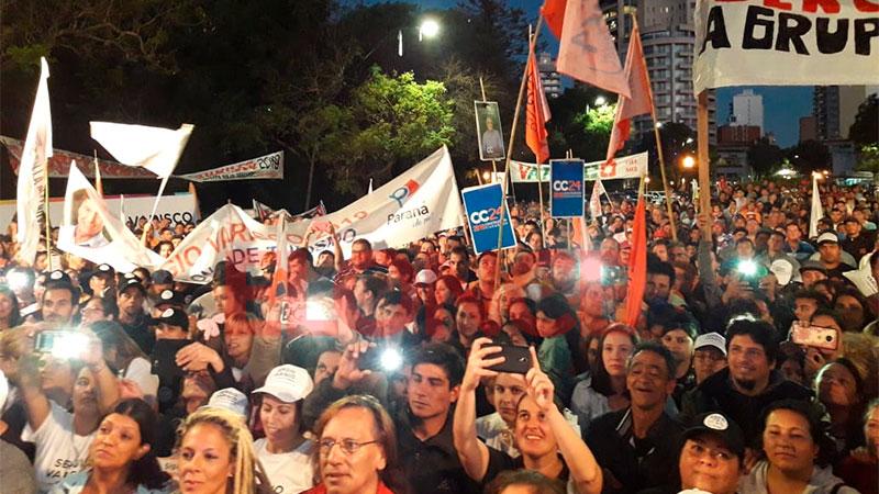 Acto de cierre de campaña de Varisco en zona del monumento a Urquiza