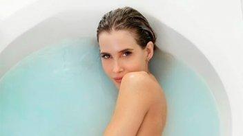 Guillermina Valdes desnuda en la bañera: