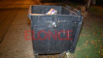 Una niña fue hallada dentro de un contenedor:
