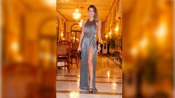 Sin ropa interior: El osado vestido de Pampita que se llevó todas las miradas