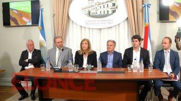 Entregaron a policías 20 viviendas de la colonia productiva de Guardamonte