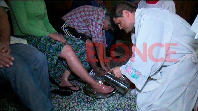 Feligreses celebraron el Jueves Santo con el tradicional lavado de pies