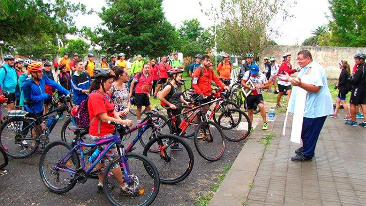 Siete pueblos, siete iglesias en bicicleta: