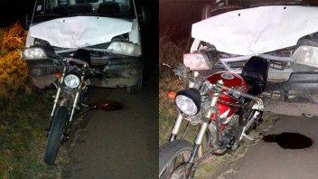 Dos motociclistas hospitalizados al ser chocados por otro vehículo