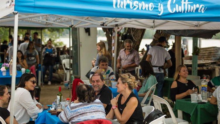 Rotundo éxito en la feria gastronómica de Puerto Sánchez