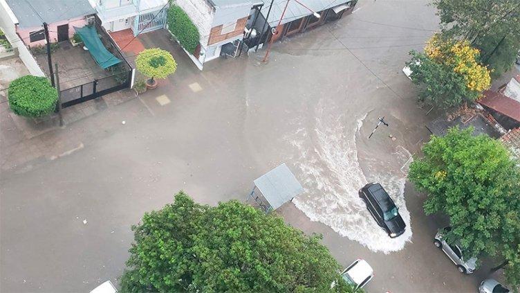 Dos muertos tras temporal causó graves inundaciones en Corrientes y Chaco