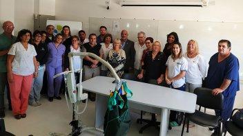 El hospital de Gualeguaychú recibió la donación de una grúa para mover pacientes