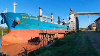 Histórico embarque de 24.000 toneladas de arroz desde Concepción del Uruguay
