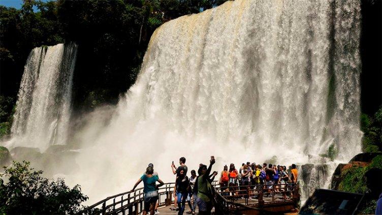 Semana Santa: Turistas gastaron $9.568 millones en distintos puntos del país