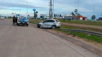 Un auto despistó y volcó: la conductora fue hospitalizada