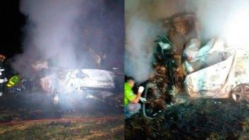 Cuatro personas murieron tras un choque entre dos camiones y un auto