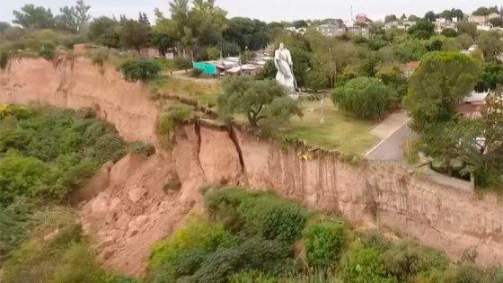 Video desde un drone muestra los nuevos desbarrancamientos en Diamante
