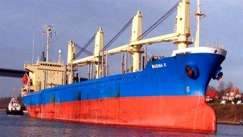 Dos buques cargarán madera y arroz en el puerto de Concepción del Uruguay
