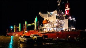 Ingresaron dos buques al puerto de Concepción del Uruguay