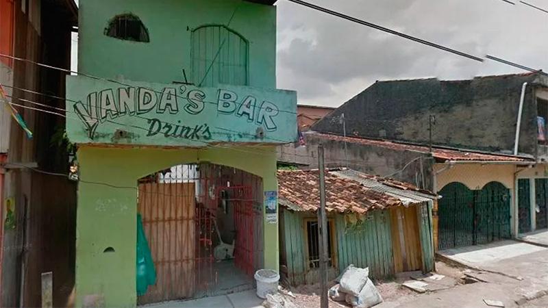 Tiroteo en un bar asesina a 11 personas — Brasil
