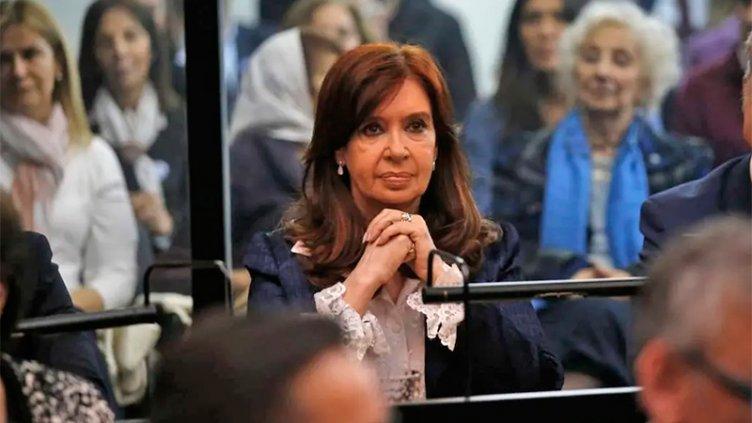 Cristina Kirchner en Tribunales por presuntas irregularidades en la obra pública