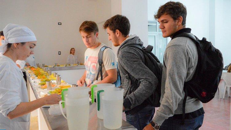 Estudiantes pagarán 66 % más caro el almuerzo en el comedor de la UNER