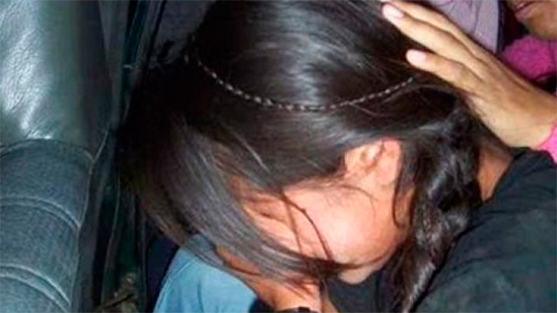Su madre la golpeaba cuando contaba que el padrastro la abusaba