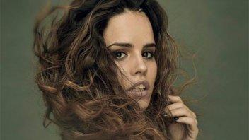 Sofi Morandi mostró su renovado look  con un topless