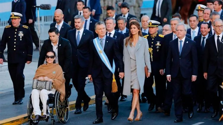 Ante Macri, la Iglesia advirtió: Es