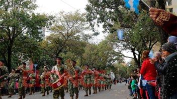 Conmemoración de la Revolución de Mayo: se realizó el tradicional desfile
