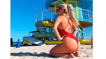 Rubia disfruta de su soltería en Miami: