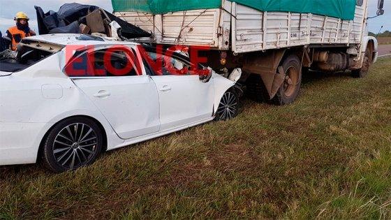 Un joven murió tras chocar su auto contra un camión en la Ruta Nº 131