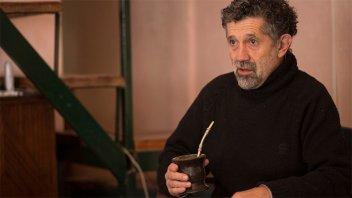 Pesar en Gualeguaychú por la muerte del escritor Luis Luján a los 65 años