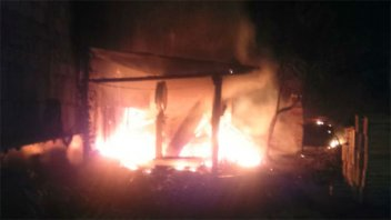 Un hombre murió en el incendio intencional de su vivienda en Paraná