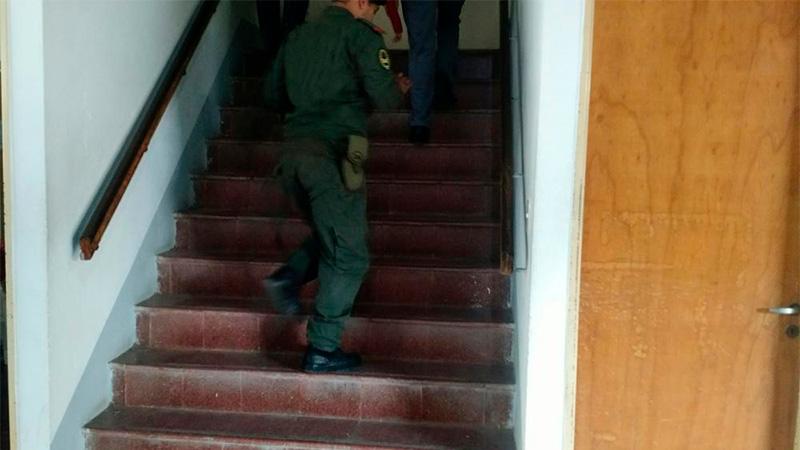 Una anciana cayó por las escaleras de la escuela donde votó.-
