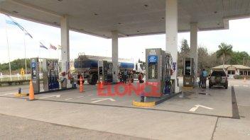 Definen suba de impuesto a los combustibles y rumorean posibles bajas de precios