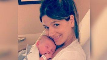 La tierna postal de Marcela Kloosterboer amamantando a su bebé