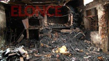 Así quedó la tapicería tras el incendio: El 95% del lugar se vio afectado