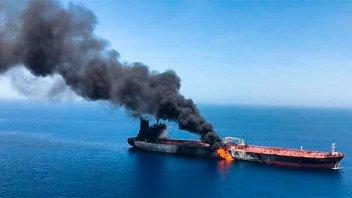 El ataque a dos petroleros disparó las tensiones entre Estados Unidos e Irán