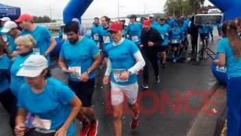 Bajo la llovizna, se corrió en Paraná la maratón